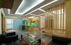 (Tiếng Việt) Căn hộ tươi sáng với nội thất gỗ